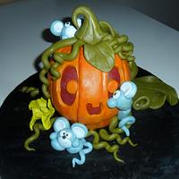 Mice on pumpkins!