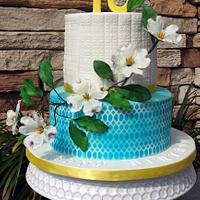 Dogwood flower cake