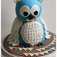 Blue owl cake