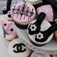 parisian themed cupcakes