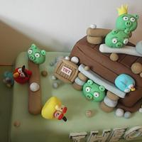 Angry birds cake  by Tracey