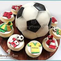 Big Cake Little Cakes : Football Fan