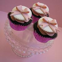 Pretty Pink Bow Cupcakes