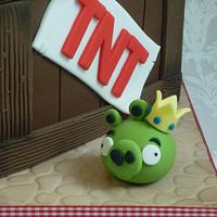 Angry Birds birthday cake by Isabelle Bambridge