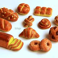 Fondant bread toppers!!