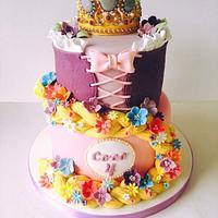 Tangled Rapunzel crown cake