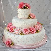 Sugar roses and quilting wedding cake