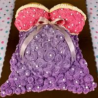 Baby Bump cake Buttercream rosettes