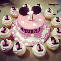 Minnie Mouse Smash Birthday Cake by Michelle Allen