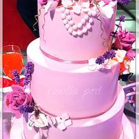 Pink roses cake