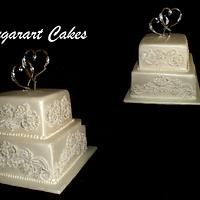 pearl and lace pearl sheen  by Sugarart Cakes