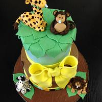 Baby animal jungle cake
