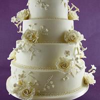 Classic Wedding Cake-Roses and Stephanotis