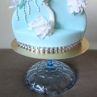 wedding swans cake