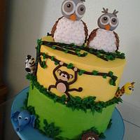 Animals baby shower cake