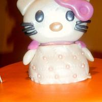 HELLO KITTY CAKE by Linda