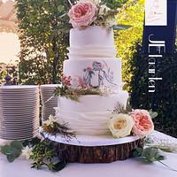 Lovely weddingcake with handpainted couple