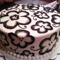 Black and White Floral Cake