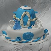 Cinderella cake by MissasMasterpieces