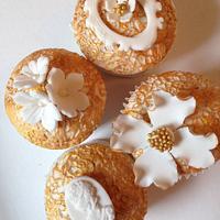 Gold Vintage Cupcakes