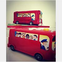 School bus cake