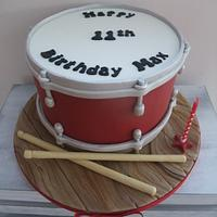 Drum with drumsticks cake  !