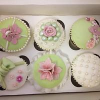 Mint Green & Pastel Pink Vintage Cupcakes