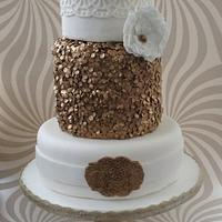 Gold edible sequins !!