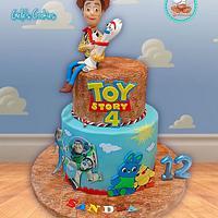 Toy story 4 fondant cake
