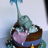 dumbo baby shower cake