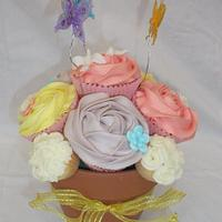 Mother's Day Cupcake Bouquet by Lyndsey Statham