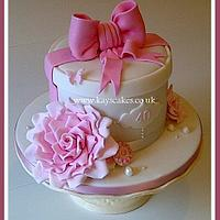 40th BIRTHDAY HAT BOX CAKE