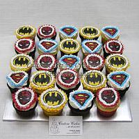 Super Heroes Cupcakes ...