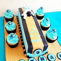 Bowling cake and cupcakes