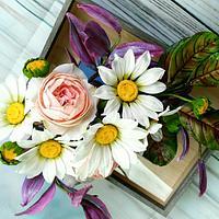 Tradescantia, Maranta, Daisyes and Roses