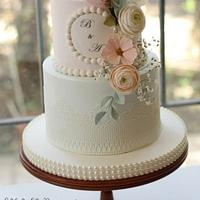 Wedding Cake with Pearls