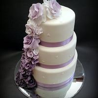 Purple Ombre Roses Wedding Cake