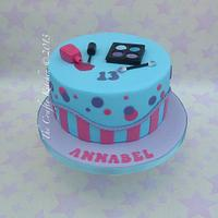 Pretty Make Up Cake by The Crafty Kitchen - Sarah Garland