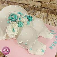 BB Shower cake