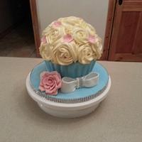 giant cupcake cake by Nuala