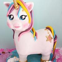Unicorn birthday cake 🦄