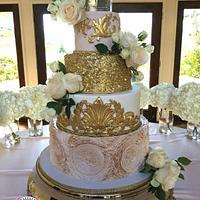 Regal Blush & Gold Wedding Cake