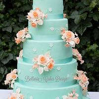 5-tier mintgreen and peach weddingcake