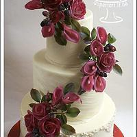 zantedeschia, blackberry and roses wedding cake