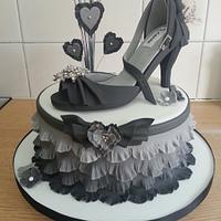Ruffle shoe cake