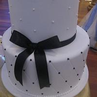 Simple Black and White Wedding cakes
