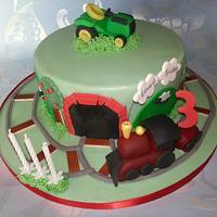 Train & tractor cake