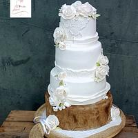 4tiers  wedding cake with roses