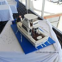 Flybridge Cruiser Boat Wedding Cake