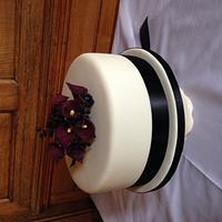 Single tier Wedding cake with handmade calla Lilly